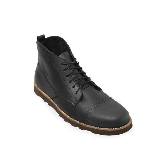 Bueno Black Chukka Boots
