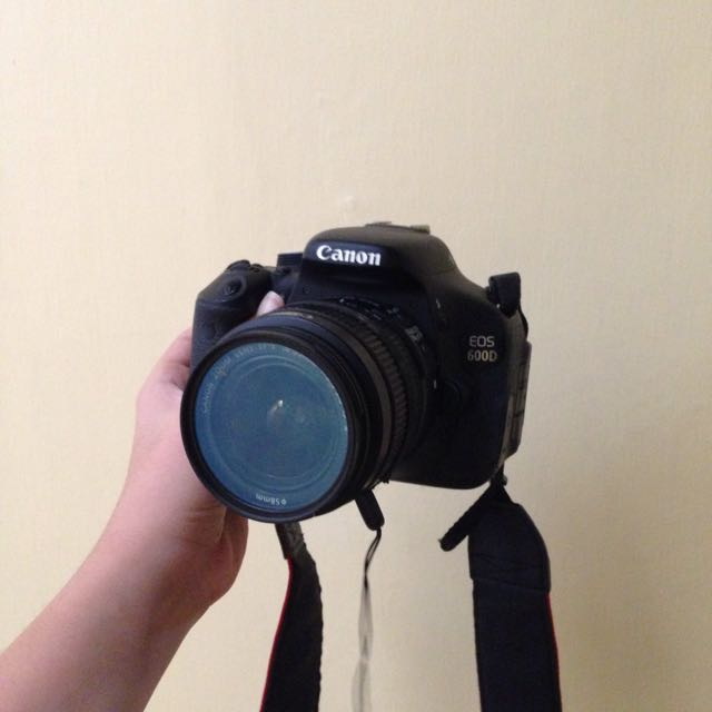 Canon EOS 600D EF-S 18-55 IS II Kit + Lensa Fix