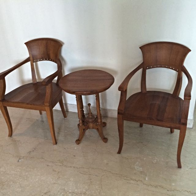 Coffee Table, 2 Chairs