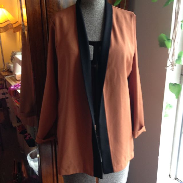 Crepe Brown And Black Cardi