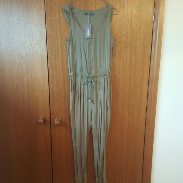 Green Jumpsuit Size 8 BNWT