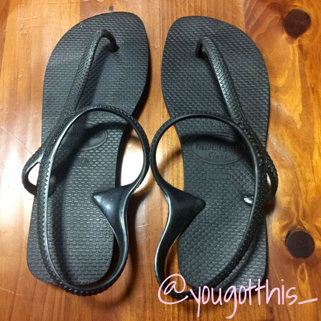 Havianas Black Thongs