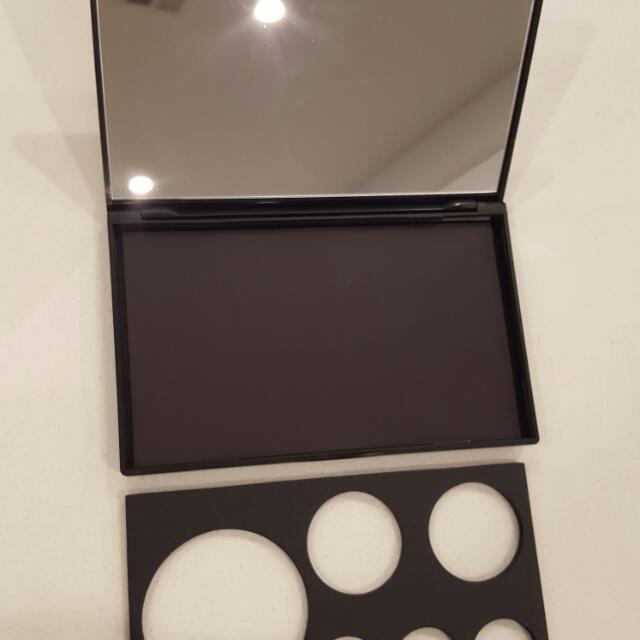 Magnetic Eyeshadow/blush Pallet