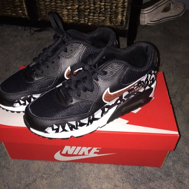 Nike Air Max 90 Size 5 Youth