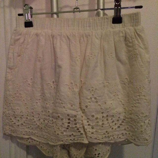 Sabo Skirt White Eyelet Elastic Shorts 6