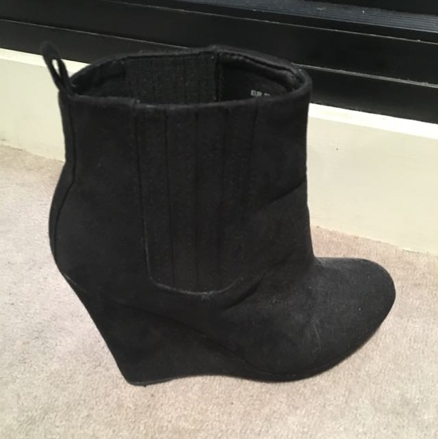 Size 37 Black Wedge BootS