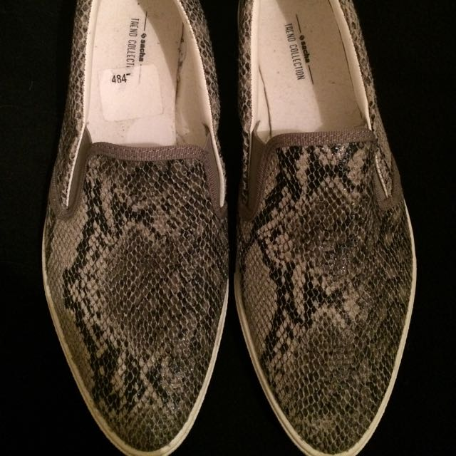 Slip on, Snake Pattern, Size 38