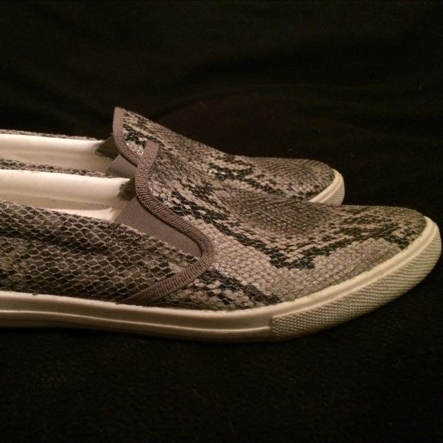 Slip on, Snake Pattern, Size 38