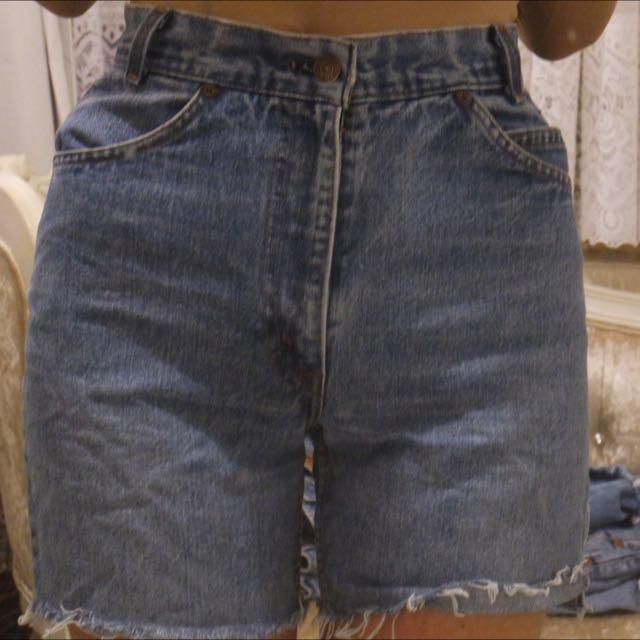 Vintage Levi Denim Shorts Size 6-8!