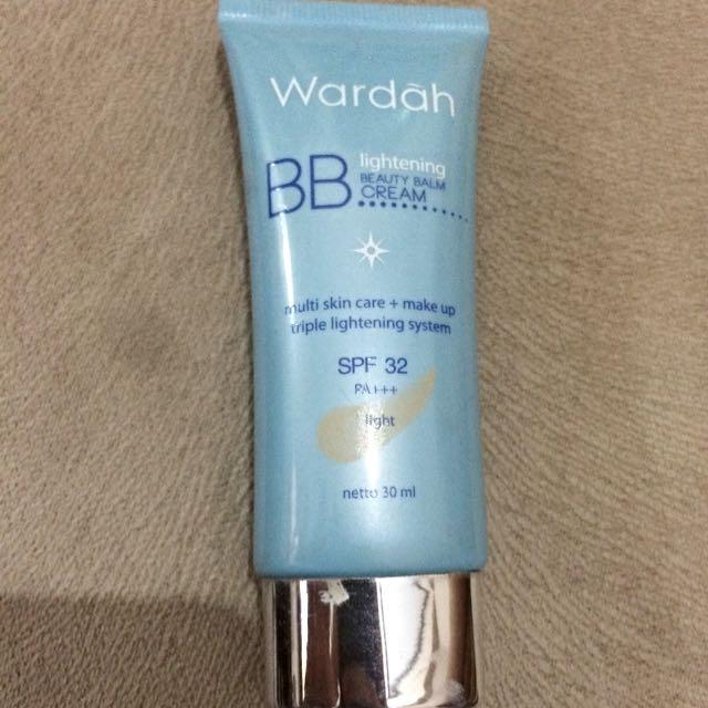 Wardah BB Cream 30ml Shade: Light