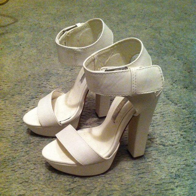 White Open-toed Strappy Heel