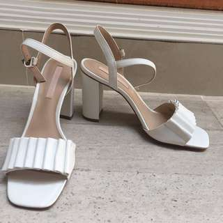 NEW Charles And Keith Heels