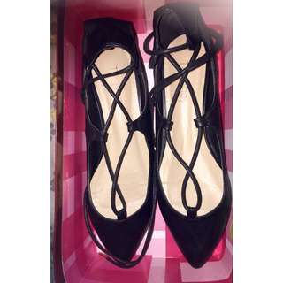 Therapy Shoes Black flats with lace