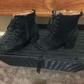 Size 37/7 Boots