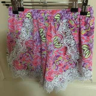 Mika & Gala Shorts Size 8