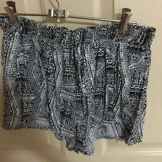 Seed Shorts. Size 8