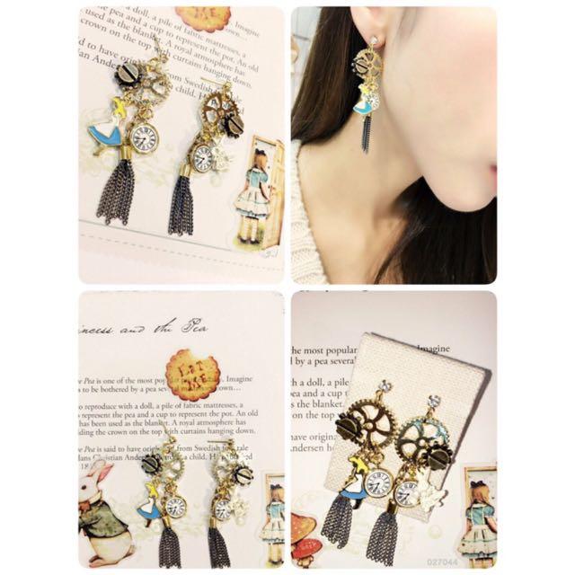 韓國「七月正韓飾品」愛麗絲時間兔耳環