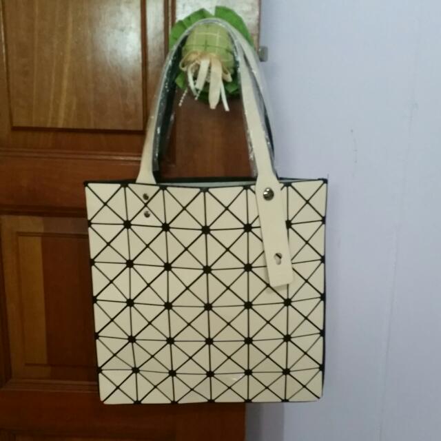 Baobao Isseymiyake Tote Bag Replica Luxury On Carou cd26d98ac064b