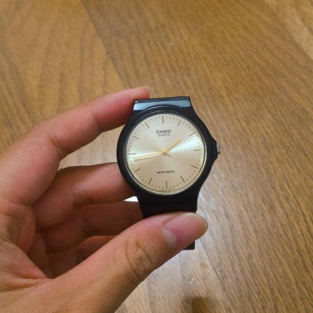 Casio金色膠錶