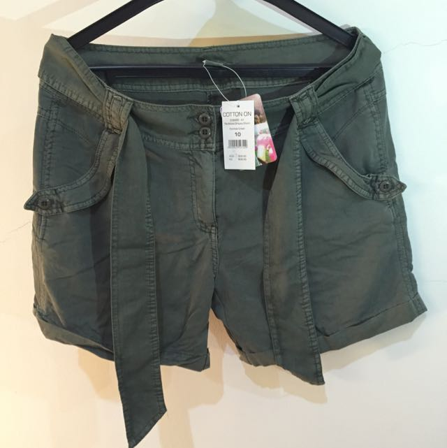 Cotton On Australia - Green Army Short Pants