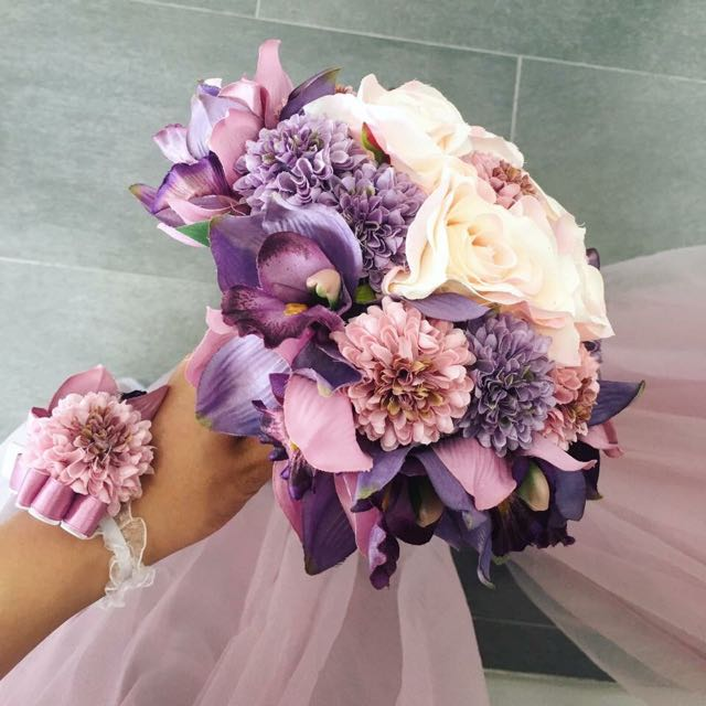 Super Pretty Dusty Pink Purple Range Fake Flower Bouquet Great For Bridesmaid And Brides And Weddings Everything Else On Carousell