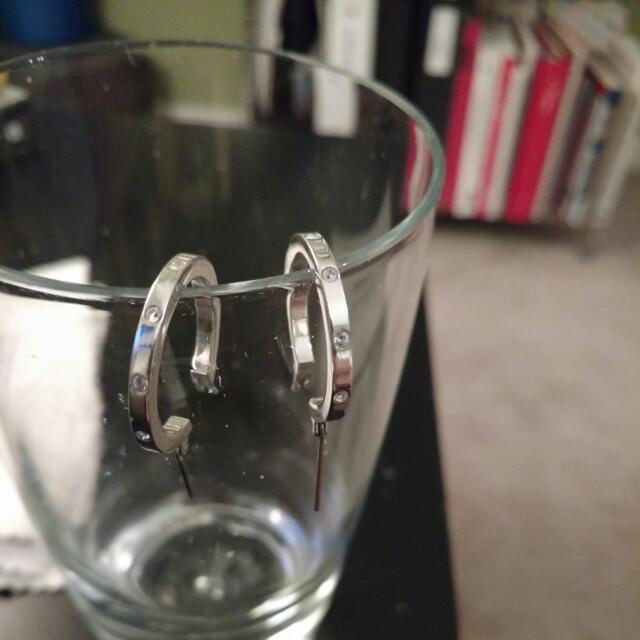 Swarvoski sterling silver 925 hoop earings