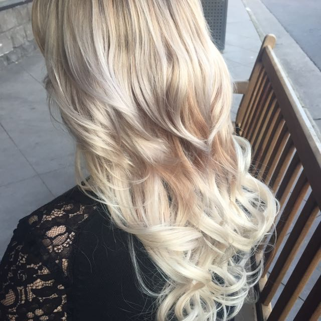 Tape In Extensions Creamy Blonde