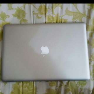 *please Read Desc* Early 2011 DEFECTIVE MACBOOK PRO w/ Ssd BATTERY NEED CHANGING NOT FOR FUSSY BUYER