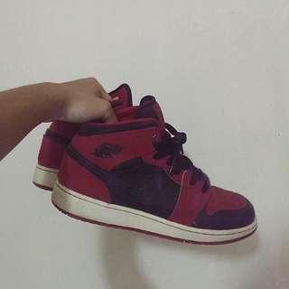 Nike air Jordan 1 mid 平民版黑紅