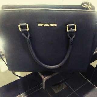 MK Selma messenger Bag