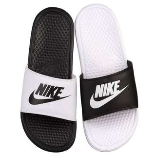 Nike陰陽拖鞋