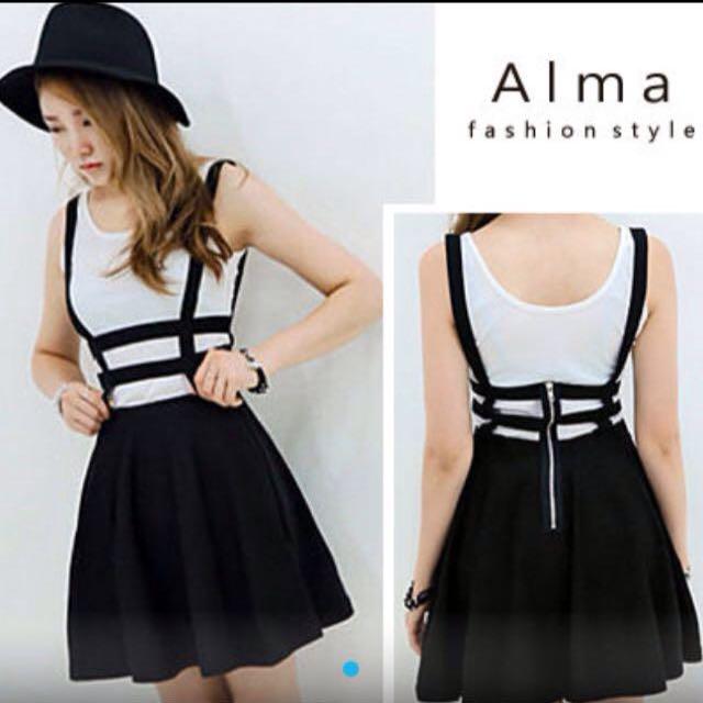 (全新)黑色鏤空造型拉鍊吊帶裙