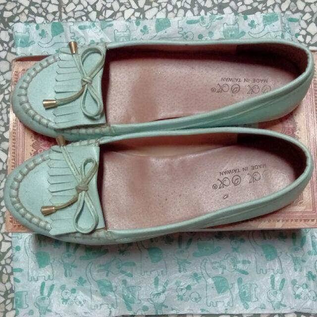 水藍色娃娃鞋