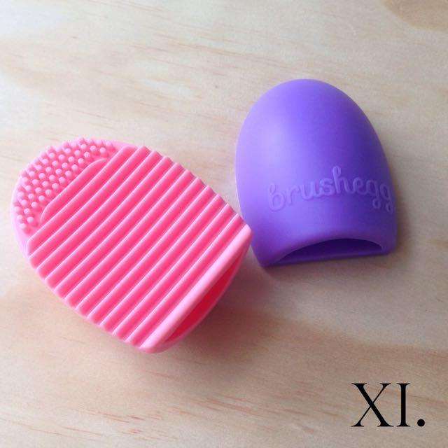 Brushegg Cosmetic Brush Cleaner