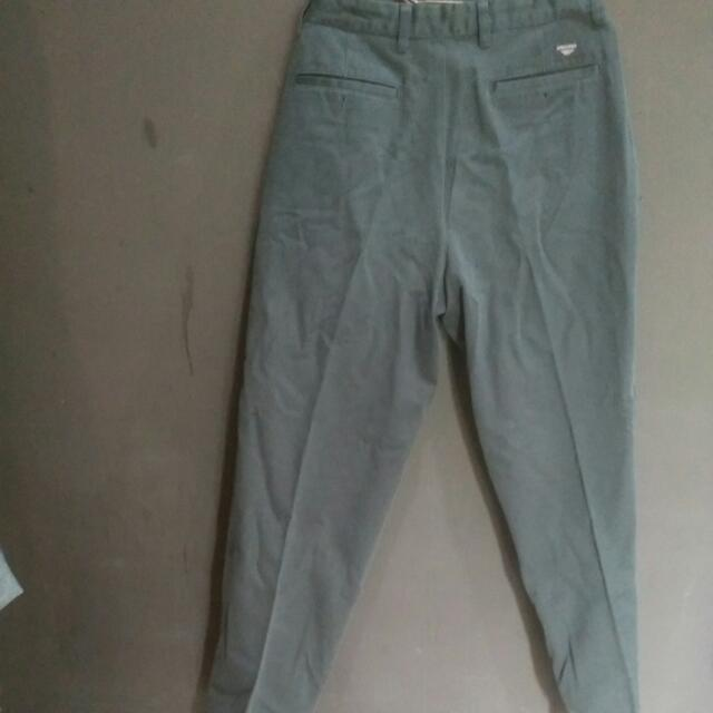 Celana Panjang DOCKERS ukuran 31- 32