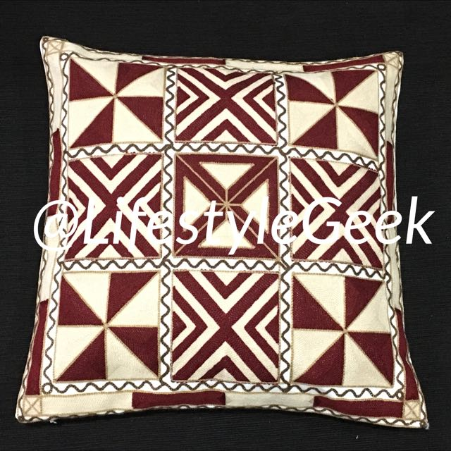 Embroidered cushion cover. 1pc 45cm x 45cm
