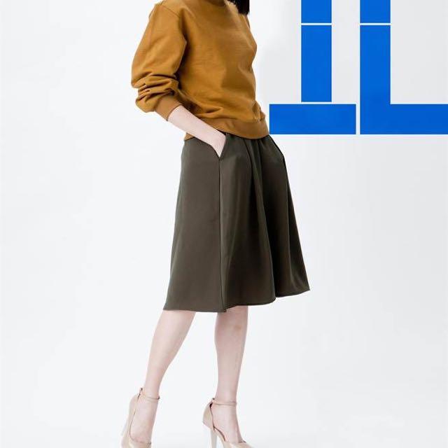GU 7分寬褲(墨綠)含運