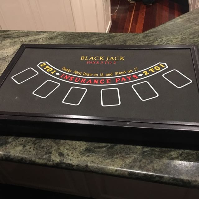 Las Vegas Game Table Set