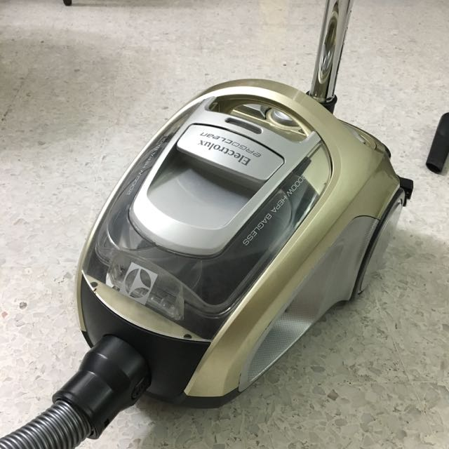 lectrolux Vacuum Cleaner ZVE4010