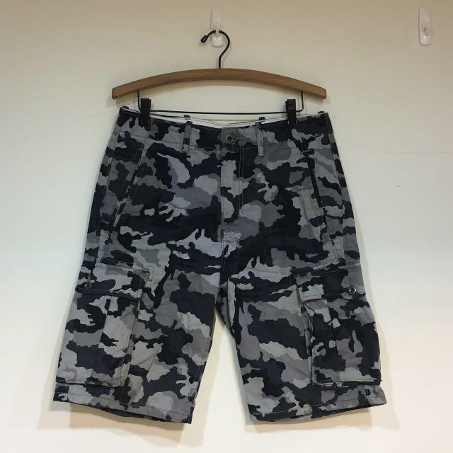Levi's 迷彩短褲