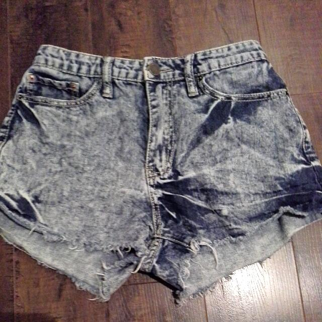 Light, High Waisted Shorts
