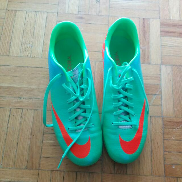 MINT Nike mercurial cleats 7.5W