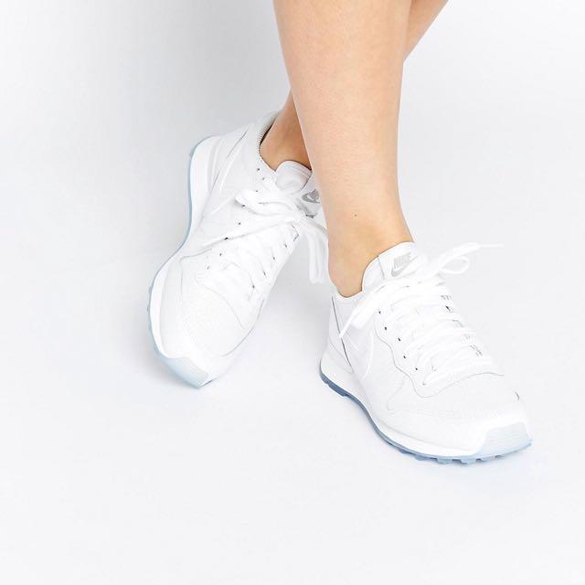 the best attitude 2e6f9 de099 Nike Internationalist Premium White Metallic Sneakers, Sports, Athletic  Clothing on Carousell