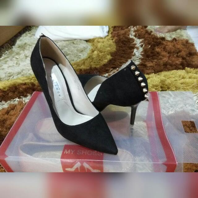 Preloved shoes size 35