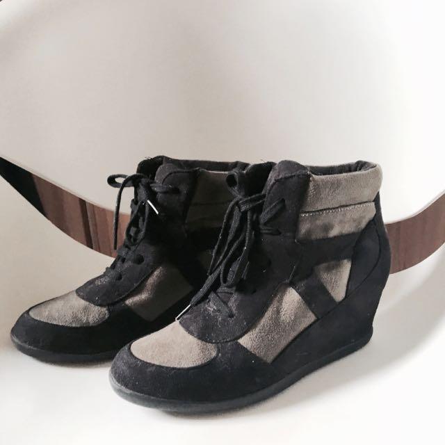 Sneaker Wedge From London