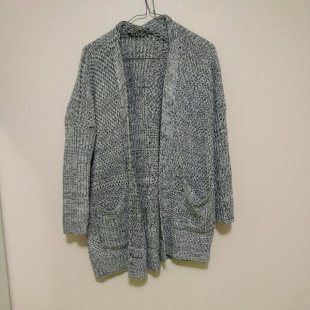 Vintage Knitted Grey Cardigan -S/M