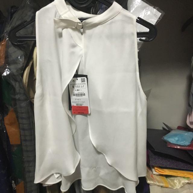 Zara White Halter Top Small (never been worn)