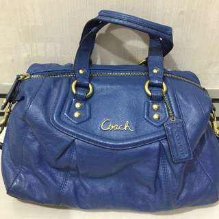 Coach Hand Bag With Strap