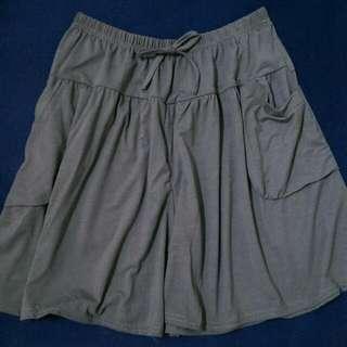 🚚 (全新) 超大彈性棉質短褲裙 - 灰(S~2XL皆適穿)