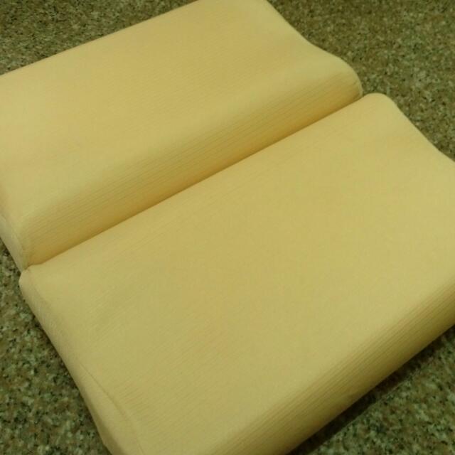二手 台製記憶枕頭(2顆)